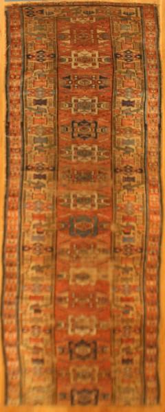 R6042 Antique Carpet Runner