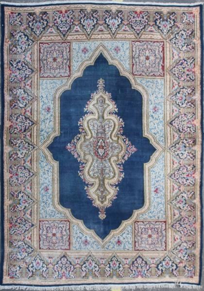 R5322 Persian Kerman Carpet