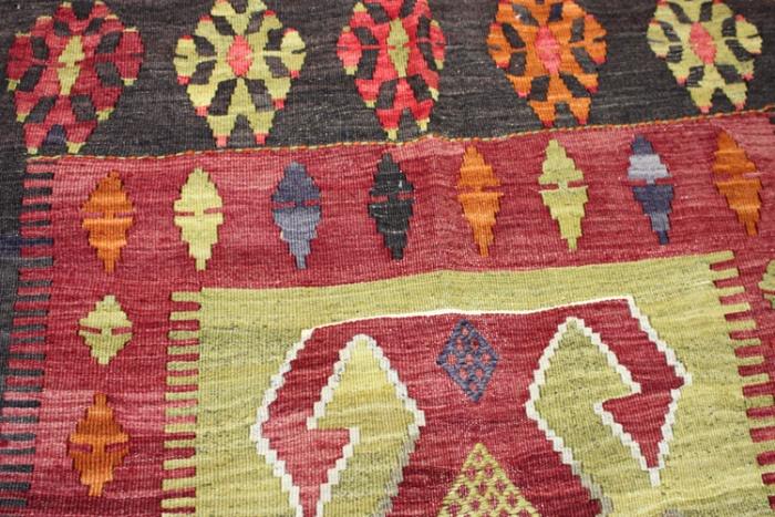 Vintage Turkish Kilim Rugs At Lower Price On Rug Store