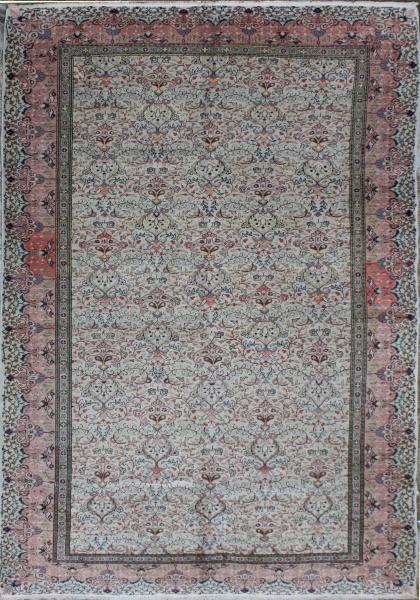 R5451 Antique Persian Rug