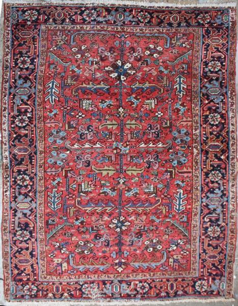R6984 Antique Heriz Carpet