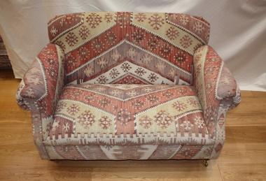 R6888 Antique Howard Kilim Sofa