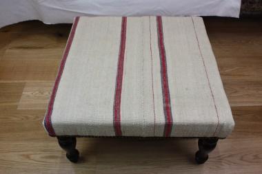 R4065 Antique Kilim Stool Table