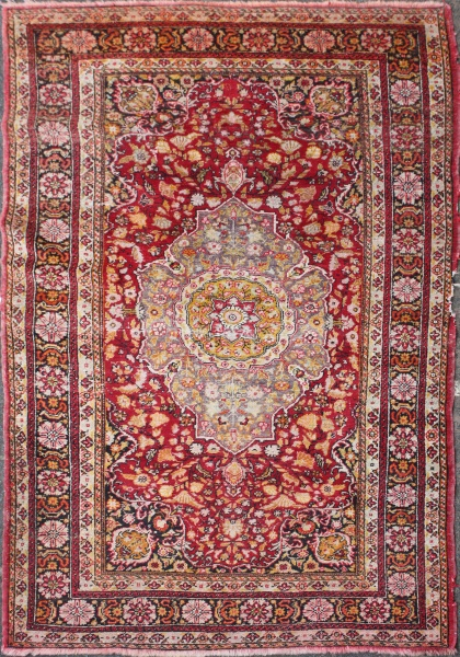 R848 Antique Oriental Rug