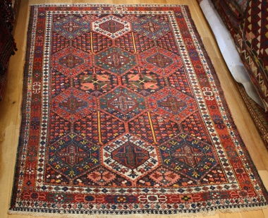 R8611 Antique Persian Carpets