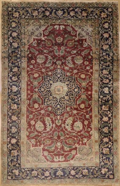 R7764 Antique Persian Isfahan Carpet