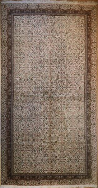 R4906 Antique Persian Tabriz Carpet