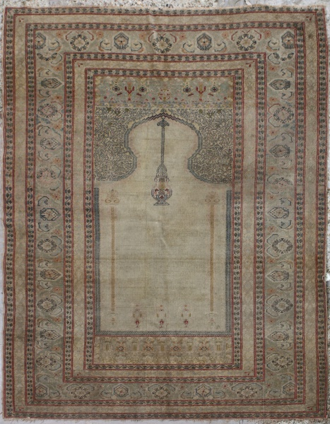 R5843 Antique Turkish Rugs and Carpets