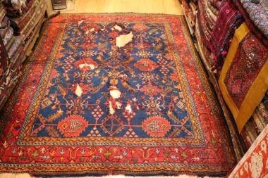 R5831 Antique Ushak Carpet