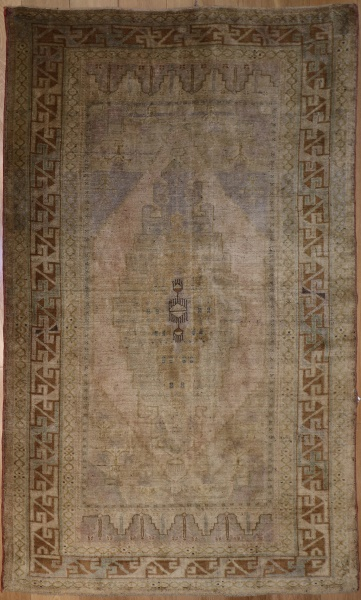 R4439 Antique Ushak Rug