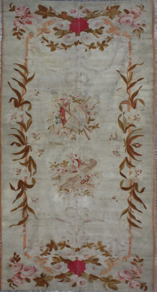 R5743 Aubusson tapestry rug