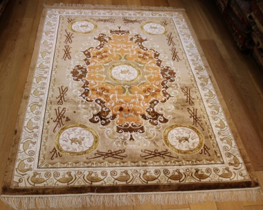R9056 Beautiful Chinese Silk Carpets