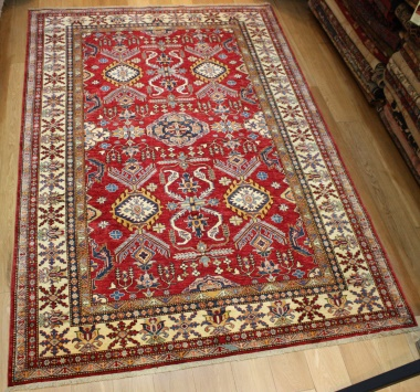 R8118 Beautiful Decorative Handmade Kazak Carpet