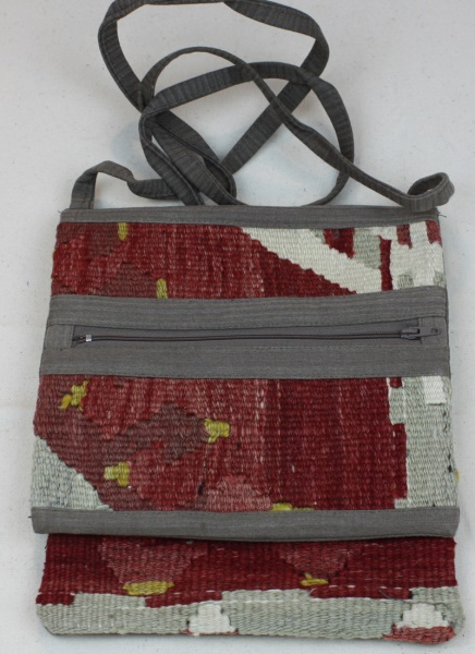 Beautiful Vintage Kilim Handbag H122
