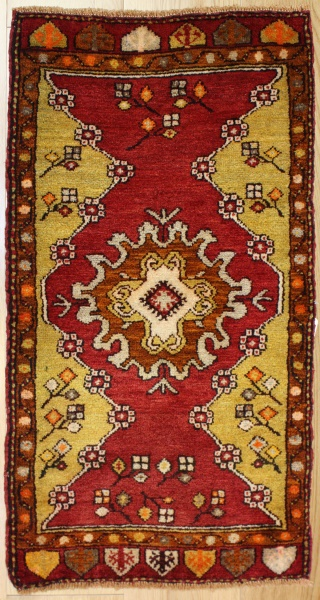 Beautiful Vintage Turkish Carpets R7935