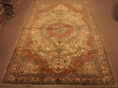 R8599 Decorative Antique Persian Carpet