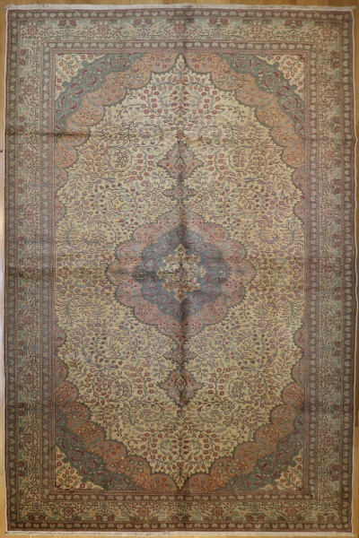 R4112 Decorative Antique Persian Carpets