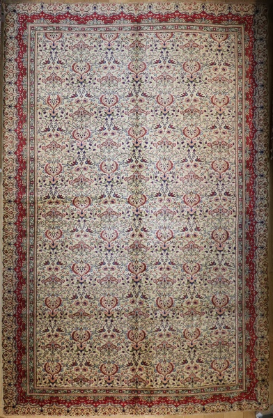 R4590 Decorative Antique Persian Carpets