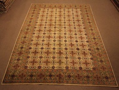 R8589 Decorative Antique Persian Carpets