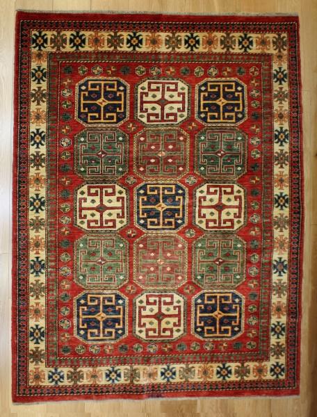 R8285 Gorgeous Caucasian Kazak Carpets