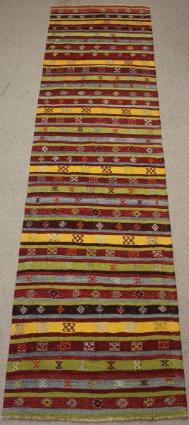 R8522 Gorgeous Vintage Kilim Rug Runner