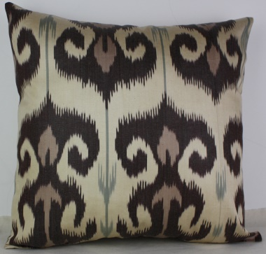 i11 Handmade ikat pillow cover