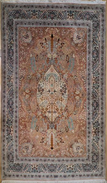 R8622 Handmade Persian Tabriz Rug