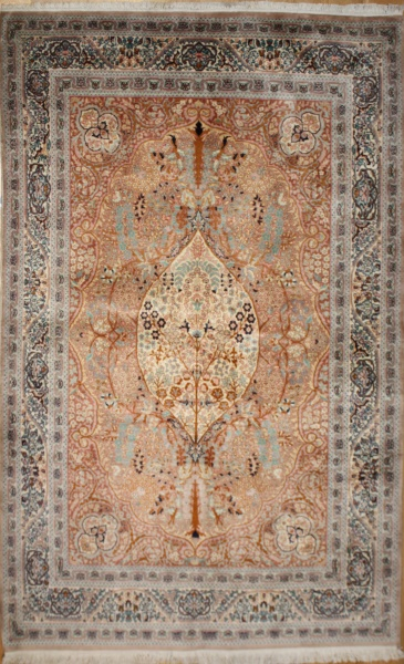 Handmade Persian Tabriz Rug R8622