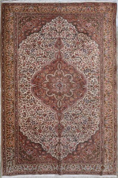 F620 Antique Persian Oriental Carpet