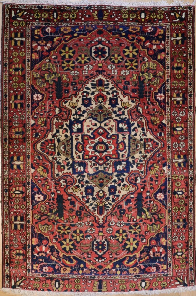 R1837 Persian Bahktiyar Rug