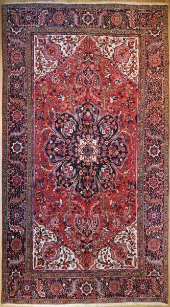 R6015 Persian Heriz Carpet