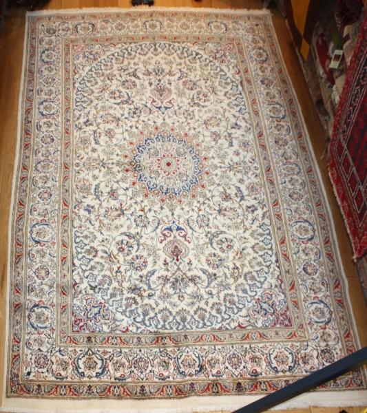 Persian Silk and wool Nain Carpet R7966