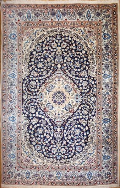 Persian Silk and wool Nain Carpet R8279