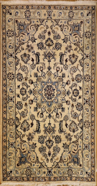 R8470 Persian Silk and wool Nain Rugs