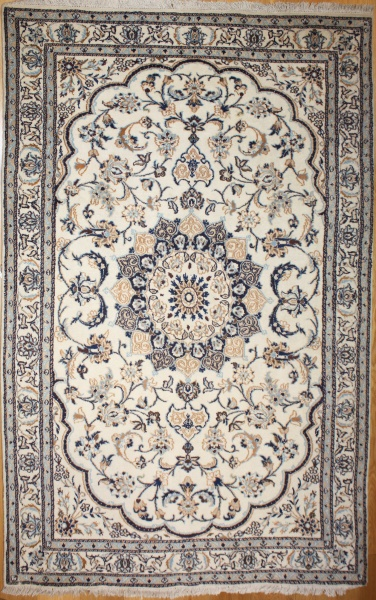 R8699 Persian Silk and wool Nain Rugs
