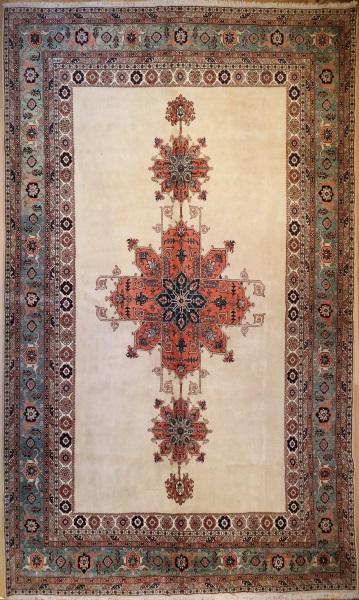 R7551 Persian Tabriz Carpet