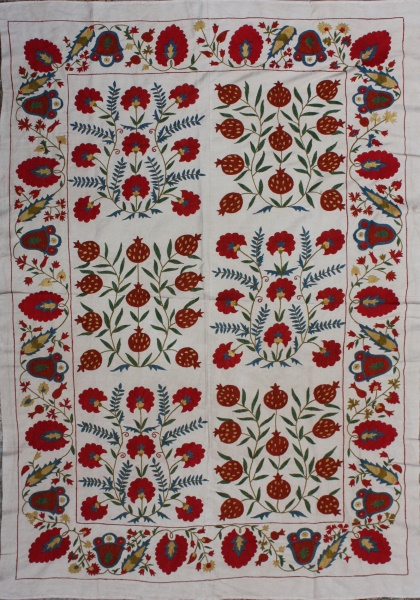 R4877 Silk Suzani Wall Hanging