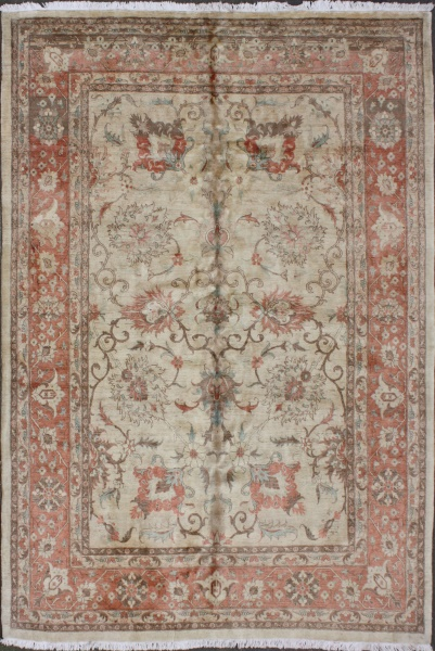 R5833 Persian Tabriz Carpet