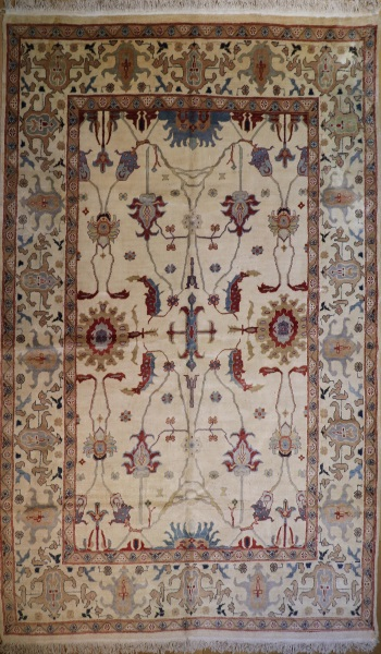R9371 Turkish Ushak Carpet