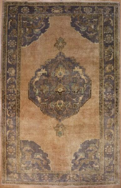 R4438 Turkish Ushak Carpet