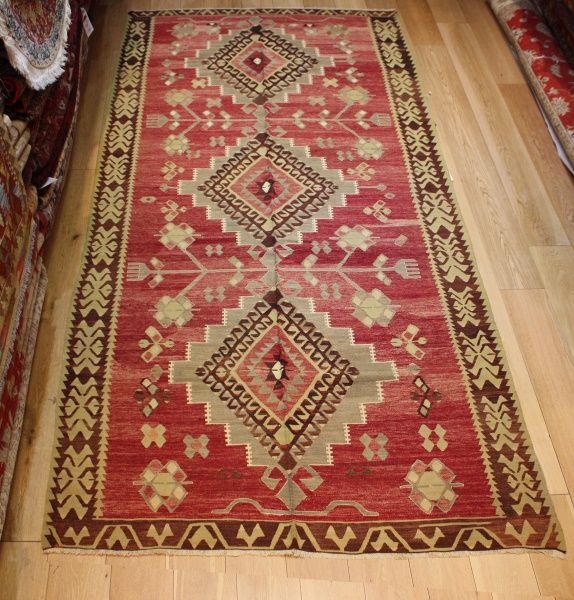 Vintage Ushak Kilim Rugs At Lower Price On Rug Store