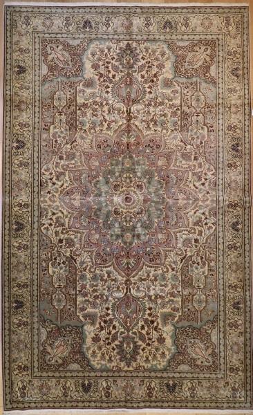 R3724 Vintage Kerman Persian Carpet