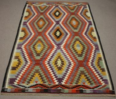 R8492 Vintage Kilim Rugs