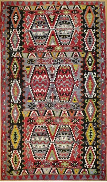 R8000 Vintage Turkish Kilim Rug