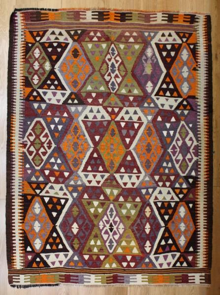 R8131 Vintage Turkish Kilim Rug