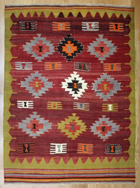 R8186 Vintage Turkish Kilim Rug