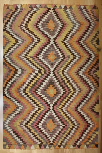 Vintage Turkish Kilim Rug R8158