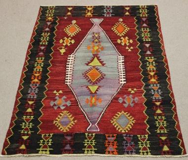 Vintage Turkish Kilim Rug R8715
